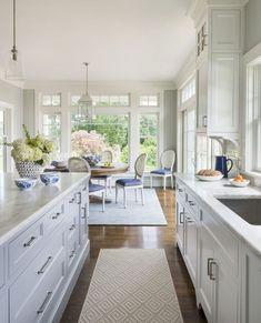 Beautiful white kitchen cabinet decor ideas (53)