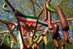 Kolbász-Baum--Valoban...ha fan no a kolbasz, akkor a kerites is abbol lehet  :)