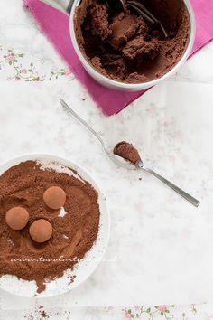 Come realizzare i Tartufi al cioccolato - Ricetta Tartufi al cioccolato