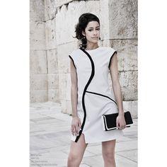 Biało- czarna szmizjerka mini do zamówienia w dowolnym rozmiarze w butiku Łatka fashion