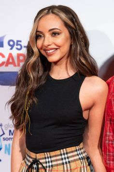 Jade Little Mix, Little Mix Jesy, Little Mix Girls, Blonde Streaks, Hair Color Streaks, Jesy Nelson, Perrie Edwards, Celebrity Hairstyles, Hairstyles With Bangs