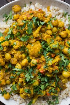 African Curry with Chickpeas and Cauliflower (Cape Malay Curry)