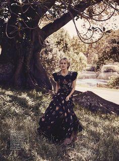 Teresa's Tribe - Teresa Palmer by Nicole Bentley for Vogue Australia May 2017 - Gucci