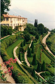 Beautiful World, Beautiful Gardens, Beautiful Places, Bellagio Italie, Landscape Design, Garden Design, Places To Travel, Places To Go, Comer See