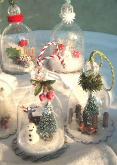 Crafty Afternoon - Snow Dome Ornaments - what a great difference. Ornament Crafts, Diy Christmas Ornaments, How To Make Ornaments, Christmas Projects, Holiday Crafts, Christmas Decorations, Snow Ornaments, Christmas Snow Globes, Christmas Jars
