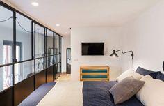 Chambre sur mezzanine avec verrière http://amzn.to/2sbdGvJ