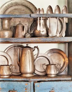 A House Romance: The Rough Luxe Appeal of Pewter Copper Pots, Copper Kitchen, Saltbox Houses, House Proud, Antique Pewter, Pewter Grey, Vintage Kitchen, Vignettes, Old Things