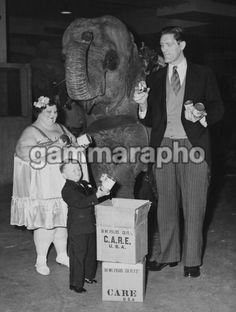 Ringling Brothers Barnum And Bailey Circus Performers In New York On April 1948. Photo: Keystone-France/Gamma-Keystone via Getty Images