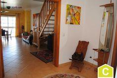 RV1317 Apartamento T3 duplex na Quinta da Cutileira em Caldas da Rainha. Construído em 2002, ao nível do 3º andar, em muito bom estado de conservação. Composto por: - Sala com varanda - cozi...