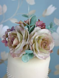 Cakes by Suzanne - Wedding Cakes with Lace and Ribbon - Cakes by Suzanne - Professional Wedding and Celebration Cakes in Northern Ireland