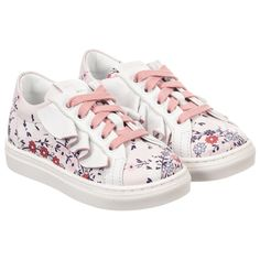 White ruffles and pink floral print are charming details on these cute leather trainers by Fendi. Made in soft leather with a textured rubber sole, they are lined in leather to give superior comfort for little girls' feet.