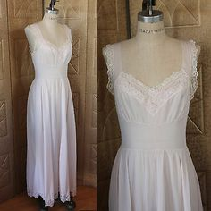 Vintage50s 60s VAN RAALTE MYTH Pale Pink Long Nylon Night Gown w White Lace 34