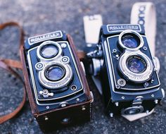Gorgeous Rolleiflex Twin Lens Reflex Cameras. I miss shooting with film...