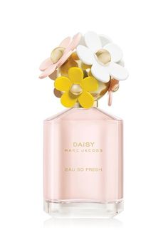 Daisy Eau So Fresh has a charming twist on our classic fragrance,  Eau So Fresh is more fruity, bubbly and more fun than our classic.  Top layer: Natural Raspberry, Grapefruit, PearMid base: Violets, Wild Rose, Apple BlossomDry base: Musks, Cedarwood, Plum