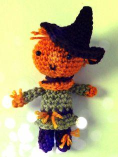 Free Wizard of Oz Scarecrow amigurumi crochet pattern