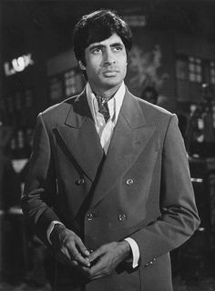 Prakash Mehra's Zanjeer made headlines for all the right reasons. It was the film that gave birth to the angry young man of Indian cinema — Amitabh Bachchan Young Movie, Old Film Stars, Bollywood Pictures, Power Star, Vintage Bollywood, Thing 1, Amitabh Bachchan, Hindi Movies, Old Movies