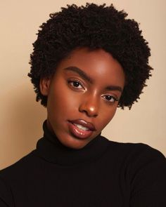Afro Appreciation Post, This is just a reminder that afros and afro-textured hair are beautiful whether big, small, curly, picked out or blow dried. It's all beautiful AF. Here are a few of our faves… Pensez à are generally fameuse « tiny robe noire Afro Puff, Curly Hair Styles, Natural Hair Styles, Short Natural 4c Hair, Short Afro Hairstyles Natural, Textured Hairstyles, Curly Short, Big Afro, Afro Textured Hair