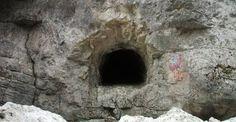 SECRETUL ROMANILOR, regasit in interiorul BUCEGILOR! Tunelurile din Muntii Bucegi au forma unui CAP DE LUP!