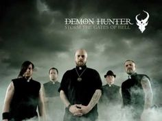 Demon Hunter - My Heartstrings Come Undone ( lyrics )