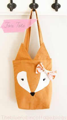 Free fox tote bag found at TheBlueCottage.blogspot.com/