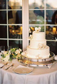 White wedding cake w/ flowers