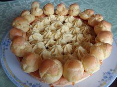 Un gateau chargé d'histoires, c'est en 1847 que cette pâtisserie voit le jour, chez Chiboust rue St Honoré. Elle prend à la fois le nom de son créateur et du saint patron des pâtissiers.…
