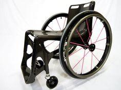 カーボンモノコック車椅子