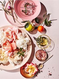 rose and citrus photo styling top down pink background Flat Lay Photography, Food Photography Styling, Still Life Photography, Tabletop, Photo Food, Prop Styling, Spring Recipes, Food Design, Food Art
