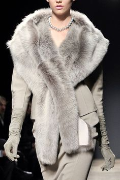 Donna Karan Fall rtw 2011 as long as the fur is faux. Fur Fashion, Grey Fashion, Look Fashion, Couture Fashion, Winter Fashion, Womens Fashion, Ladies Fashion, Donna Karan, Mode Style