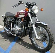 Triumph Motorbikes, Triumph Chopper, Triumph Cafe Racer, Triumph Bobber, Triumph Motorcycles, Bsa Motorcycle, Motorcycle Design, Bike Design, British Motorcycles