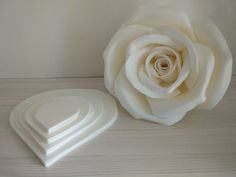 White isolon izolon material for creating wedding decor.- White isolon izolon material for creating wedding decorations flower walls of arches from large flowers, growth compositions and lamps - Paper Flower Decor, Large Paper Flowers, Paper Flower Backdrop, Giant Paper Flowers, Paper Roses, Flower Crafts, Diy Flowers, Flower Decorations, Wedding Decorations