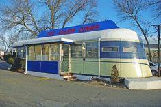 Top 10 Diners of Massachusetts – Thanks, Diner Hotline! Vintage Diner, Retro Diner, Vintage Restaurant, Fifties Diner, Vintage Style, Hot Dog Stand, Diner Recipes, American Diner, Drive In Theater