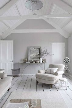 white interior design 2012 home design decorating Cosy Living, My Living Room, Home And Living, Living Spaces, Grey Walls Living Room, Grey Room, Coastal Living, Shades Of Grey Paint, 50 Shades