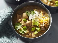 This White Chicken Chili recipe couldn't be easier. Start by gathering all the ingredients: chicken thighs, dried navy beans (soaked overnight), Chili Recipes, Slow Cooker Recipes, Crockpot Recipes, Soup Recipes, Chicken Recipes, Cooking Recipes, Cooking Chili, Chili Food, Recipe Chicken