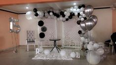 Ideas Para, Chandelier, Ceiling Lights, Birthday, Grande, Home Decor, Vestidos, Black Party Decorations, Candelabra