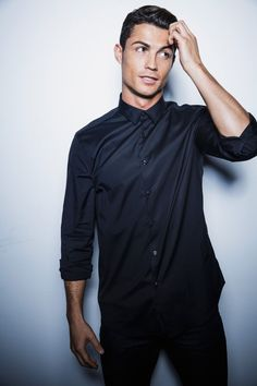 Pin for Later: 20 Famous Hotties Turning 30 This Year Cristiano Ronaldo The Portuguese soccer star turned 30 on Feb. and this is how we celebrated. Cristiano Ronaldo Cr7, Neymar, Cristino Ronaldo, Cristiano Ronaldo Wallpapers, Ronaldo Football, Ronaldo Junior, Football Soccer, Photos Des Stars, Fc Chelsea