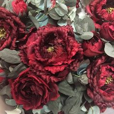 39 отметок «Нравится», 3 комментариев — Lena Alekseeva (@vesssna_flowers) в Instagram: «Шелковые цветы ждут вас в нашей мастерской VESSSNA, чарующие пионы цвета ❤️ #венок #пион…»