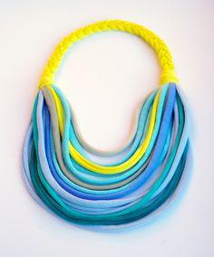 Kék/türkiz/citromsárga textil, sokszálas BASIC nyaklánc, Ékszer, óra, Nyaklánc, Meska