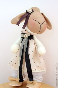 Galya Baby Lamb, Fabric Animals, Wood Creations, Reno, Cute Crafts, Handmade Toys, Diy Party, Sheep, Sewing Crafts
