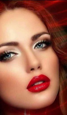 10 Romantic Valentine's Day Makeup with Red Lips in 2019 - Have A look! Lipstick Colors, Red Lipsticks, Valentine's Day Hairstyles, Exotic Makeup, Idda Van Munster, Makeup 2018, Prom Makeup, Wedding Makeup, Natural Lip Colors