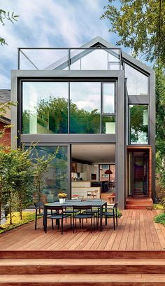The backyard of Skygarden House by Dubbeldam Architecture + Design. Photo: Shai Gil/ Courtesy of Dubbeldam Architecture + Design Architecture Design, Minimal Architecture, Contemporary Architecture, Toronto Architecture, Farmhouse Architecture, Contemporary Houses, Classical Architecture, Sustainable Architecture, Outdoor Spaces