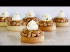 Tartas Tatin de Manzana con Crema de Almendras I VIDEO ======================== Recipe for Christmas and New Year Cake ========================= Click the web to view the video Small Desserts, Fancy Desserts, My Recipes, Sweet Recipes, Tapas, New Year's Cake, Mini Cheesecakes, French Pastries, Special Recipes