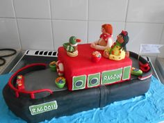 Rosie and Jim cake 3rd Birthday, Birthday Cakes, Boat Cake, Canal Boat, Novelty Cakes, Creative Cakes, Plane, Kitchen, Desserts