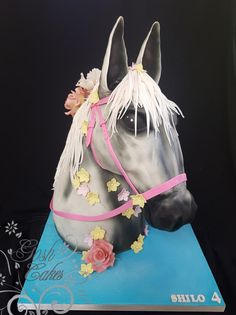 Horse Love - http://cakesdecor.com/cakes/285919-horse-love