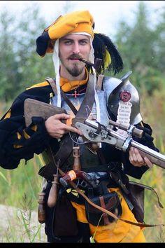 Made to order Averland officers doppelsoldner gunners larp Fantasy Armor, Medieval Fantasy, Fantasy Inspiration, Character Inspiration, Larp, Armadura Medieval, Landsknecht, Renaissance Era, Game Costumes