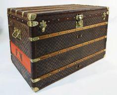 Malle Damier LVMH, 1889 Louis Vuitton Trunk, Painted Pianos, Storage Chest, Trunks, Decorative Boxes, Antiques, Art, Steamer Trunk, Kunst