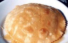 Seadas sarde - Le Seadas sono una tipica preparazione sarda che unisce due ingredienti importanti della gastronomia isolana: il formaggio di pecora e il miele di castagno. Un'esperienza di gusto unica, ve lo assicuro!