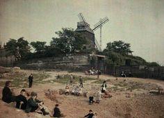 Exceptionnel: #Montmartre, Moulin de la Galette vers 1920 ! #histoire #Paris…