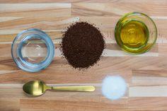 DIY Coffee Scrub Recipe – Health and Beauty Lip Scrub Homemade, Homemade Skin Care, Diy Skin Care, Skin Care Tips, Coffee Cellulite Scrub, Coffee Scrub, Coffee Bath, Beauty Skin, Health And Beauty
