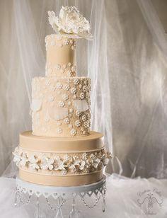 Beautiful Cake Pictures: Elegant Romantic Wedding Cake - Cakes & Lace, Elegant Cakes, Wedding Cakes -
